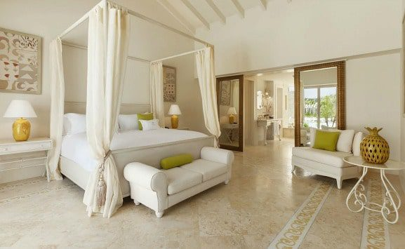 eden-roc-cap-cana-master-bedroom