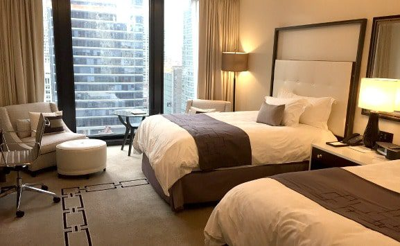 the-langham-chicago-guest-room