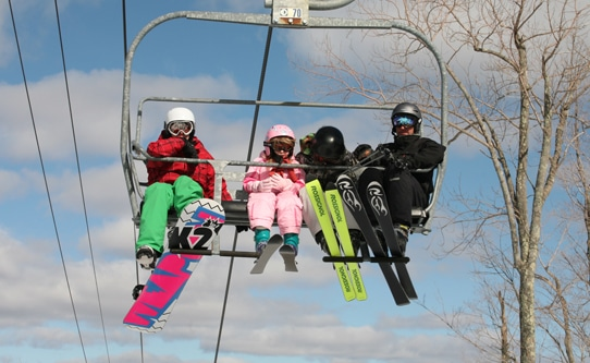skiing-in-new-york-with-kids