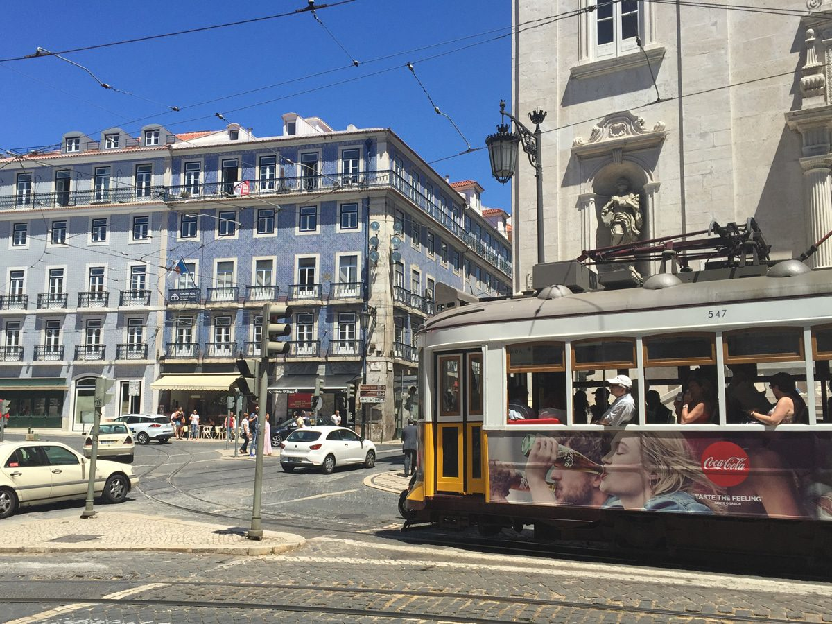 things-to-do-in-lisbon-tram