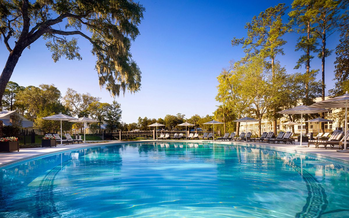 montage-palmetto-bluff-family-pool